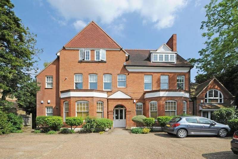 2 Bedrooms Apartment Flat for sale in Copers Cope Road, Beckenham, BR3