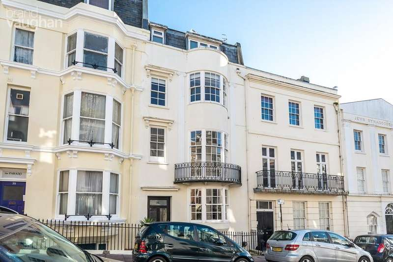 2 Bedrooms Flat for sale in Devonshire Place, BRIGHTON, BN2