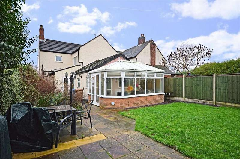 3 Bedrooms Detached House for sale in Cannock Road, Chase Terrace, Staffordshire