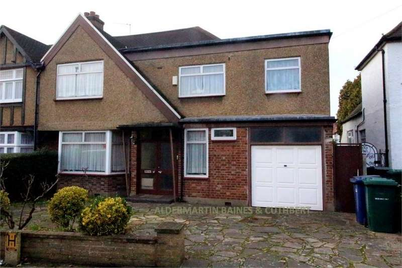 5 Bedrooms Semi Detached House for sale in Edgwarebury Lane, Edgware, Middlesex