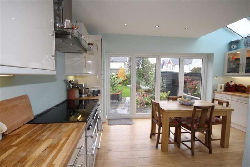 4 Bedrooms Detached House for sale in Alfreda Road, Cardiff