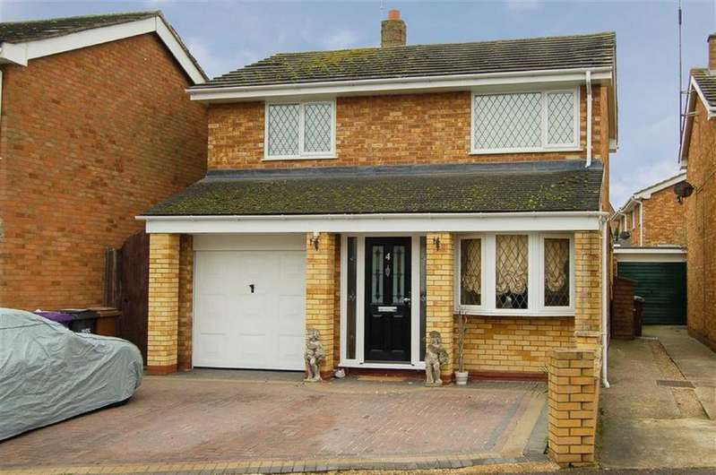 4 Bedrooms Detached House for sale in Portman Close, Hitchin, Hertfordshire