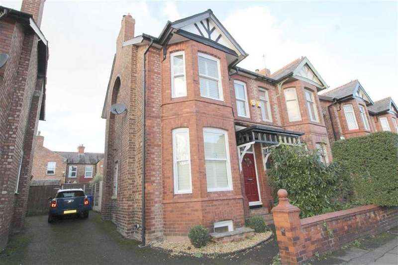 5 Bedrooms Semi Detached House for sale in Claude Road, Chorlton