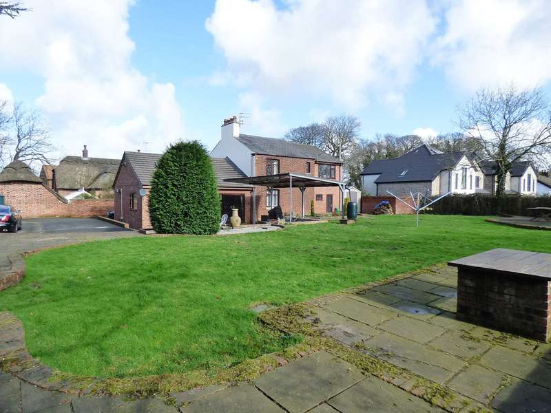 4 Bedrooms Cottage House for sale in Ribby Road, Wrea Green