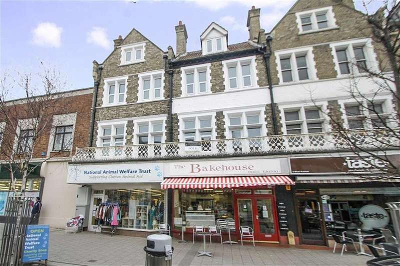 1 Bedroom Flat for sale in West Avenue, Clacton-on-Sea