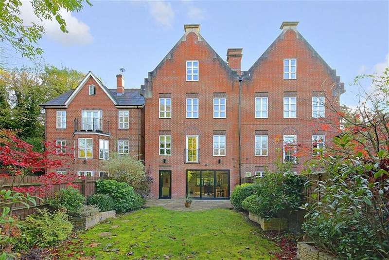 4 Bedrooms House for sale in Theobald Street, Radlett, Hertfordshire