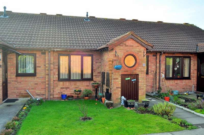 2 Bedrooms Terraced Bungalow for sale in Harden Keep, Smethwick
