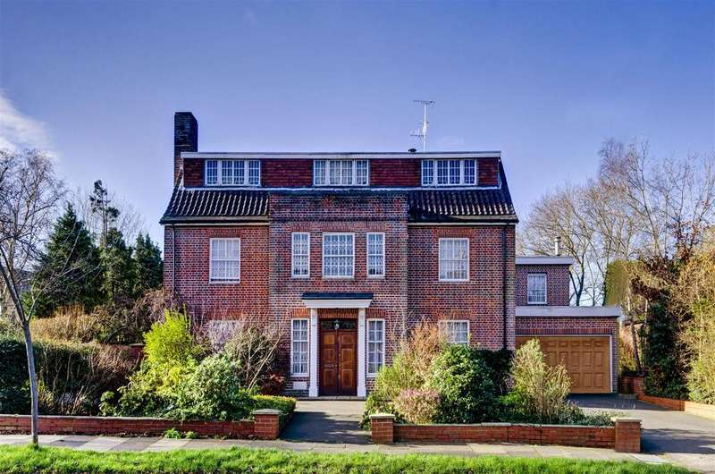 6 Bedrooms Detached House for sale in Holne Chase, N2