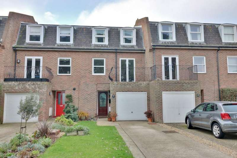 4 Bedrooms Town House for sale in Marine Gate, Southsea