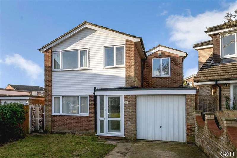 4 Bedrooms Detached House for sale in Crofton Close, Kennington, Kent