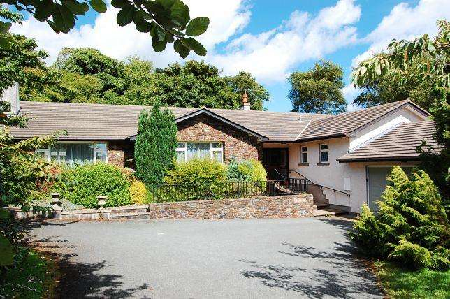 3 Bedrooms Bungalow for sale in Cooilushtey, Port Lewaigue, Maughold, IM7 1AH
