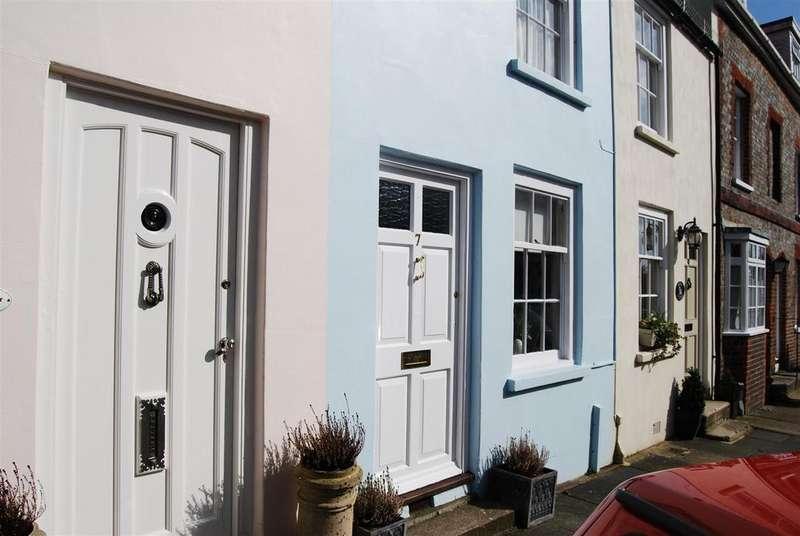 2 Bedrooms Terraced House for sale in Arun Street, Arundel