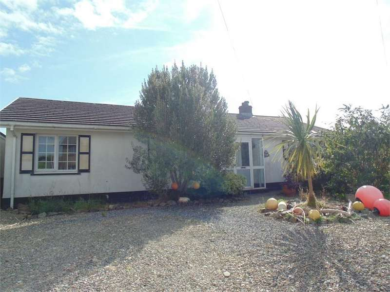 3 Bedrooms Detached Bungalow for sale in 26 Church Road, Roch, HAVERFORDWEST, Pembrokeshire