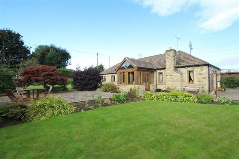 3 Bedrooms Detached House for sale in Latham Lane, Gomersal, West Yorkshire