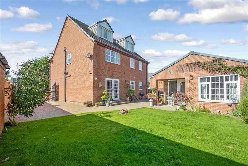 6 Bedrooms Detached House for sale in Frickley Bridge Lane, Brierley, Barnsley, S72