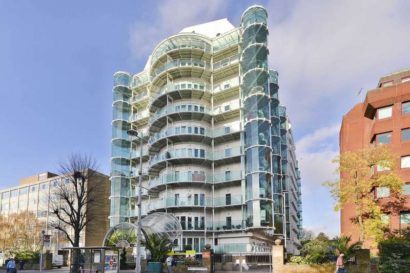 2 Bedrooms Apartment Flat for sale in Cavalier House, Uxbridge Road, Ealing