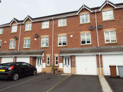 House for sale in Foxholme Court, Crewe, Cheshire