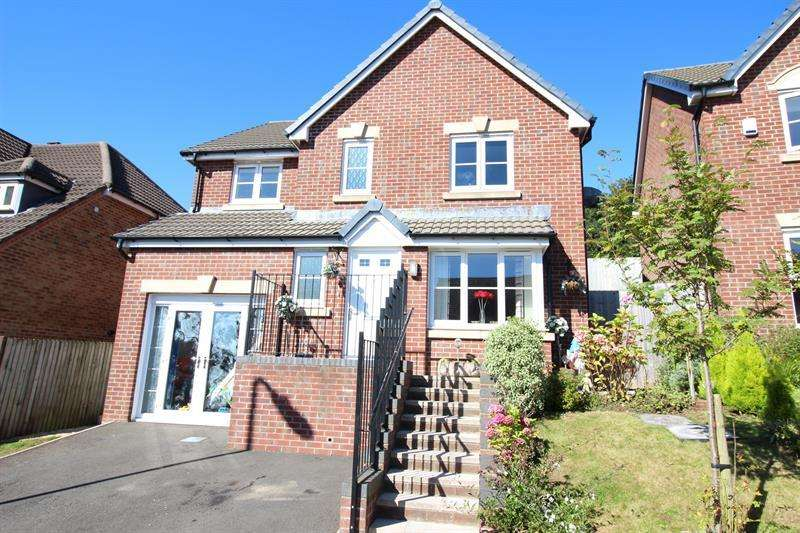 4 Bedrooms Detached House for sale in Heol Cwarrel Clark, Caerphilly