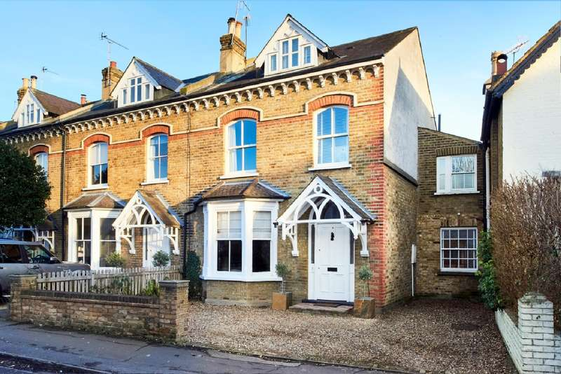 5 Bedrooms Semi Detached House for sale in East Molesey