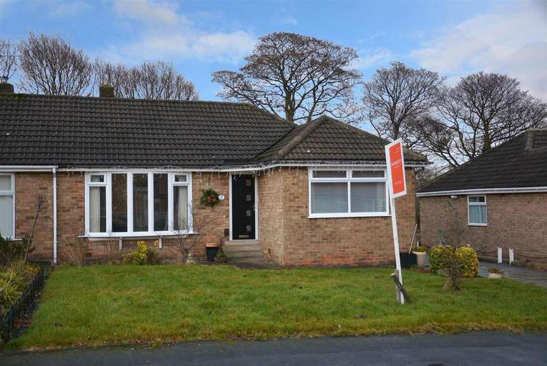 3 Bedrooms House for sale in Woodhall Close, Stanningley, Pudsey
