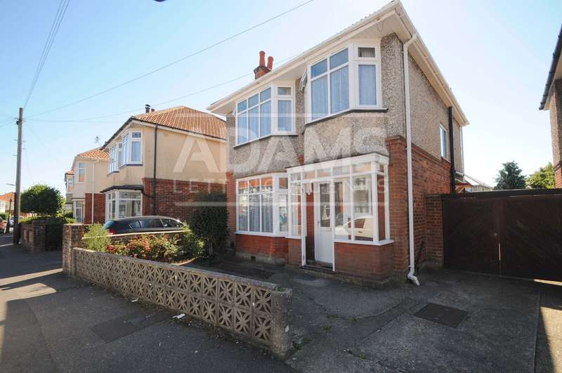 5 Bedrooms House for rent in Coombe Gardens, Ensbury Park, Bournemouth