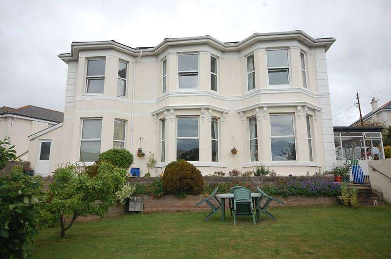 6 Bedrooms Detached House for sale in Third Drive, Teignmouth