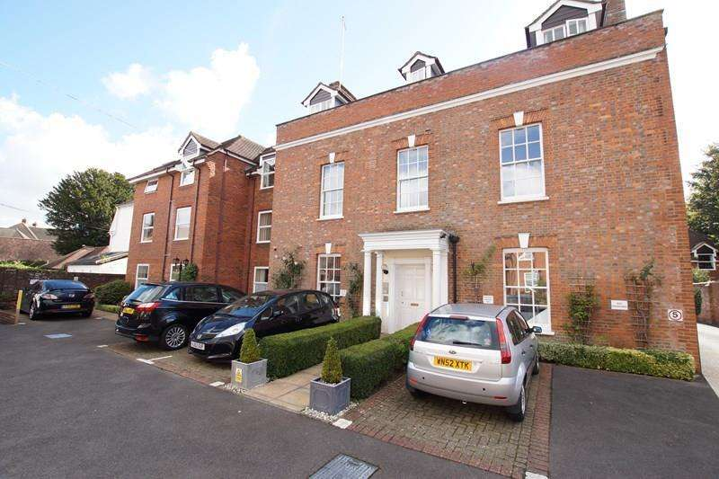 2 Bedrooms Retirement Property for sale in East Street, Blandford Forum