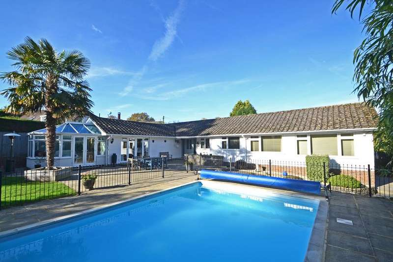 4 Bedrooms Detached Bungalow for sale in Storrington, West Sussex, RH20