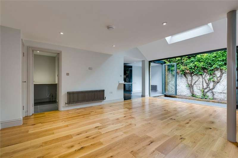 2 Bedrooms Mews House for sale in Fulham Road, Fulham, London