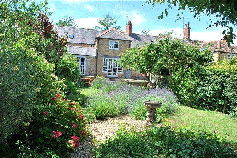 3 Bedrooms Terraced House for sale in Hyde Cottages, Walditch, Bridport, Dorset