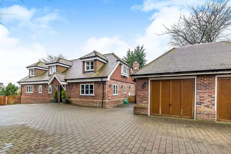 5 Bedrooms Detached House for sale in The Green, Bearsted, Maidstone, ME14