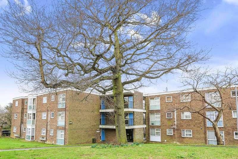 1 Bedroom Flat for sale in Lonsdale Court, Stevenage, SG1
