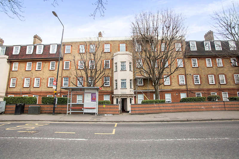 3 Bedrooms Flat for sale in Manor Road, London, E15