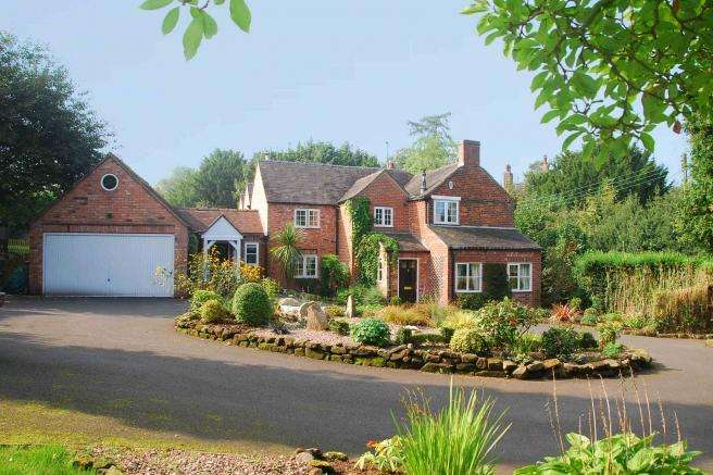 5 Bedrooms Cottage House for sale in Spring Cottage, Croxton, Croxton, Staffordshire, ST21 6PE