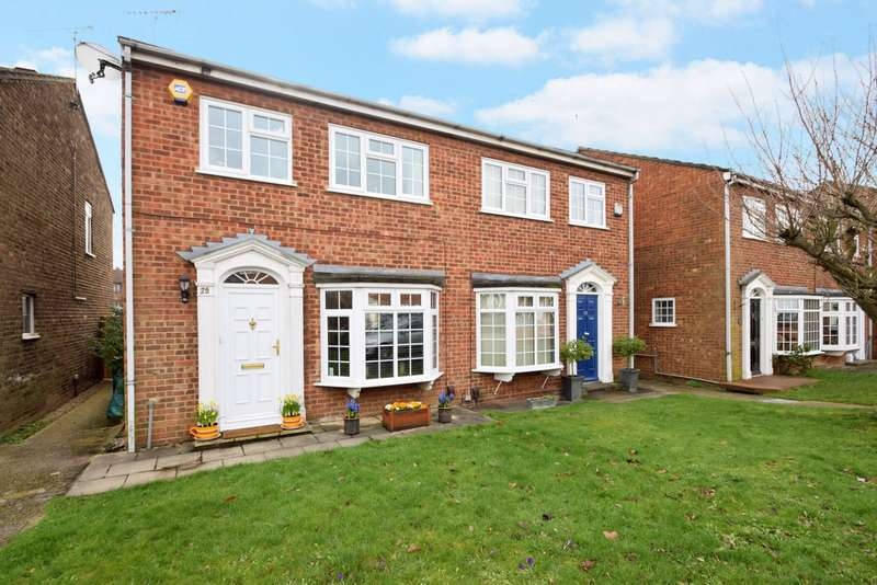 3 Bedrooms Semi Detached House for sale in Cardinals Walk, Taplow, Maidenhead, SL6
