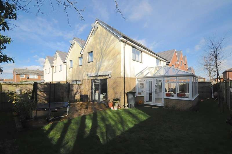 3 Bedrooms Town House for sale in Aldersgate Way, Parkstone, Poole