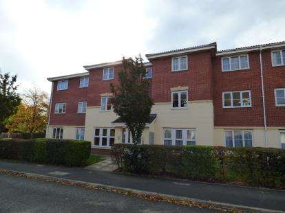 2 Bedrooms Flat for sale in William Foden Close, Sandbach, Cheshire