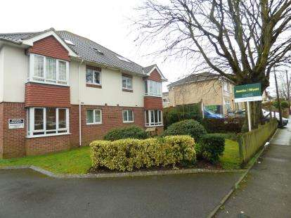 2 Bedrooms Flat for sale in 39 Langley Road, Poole