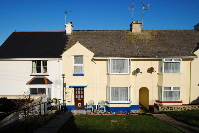 3 Bedrooms Terraced House for sale in Western Avenue, Appledore