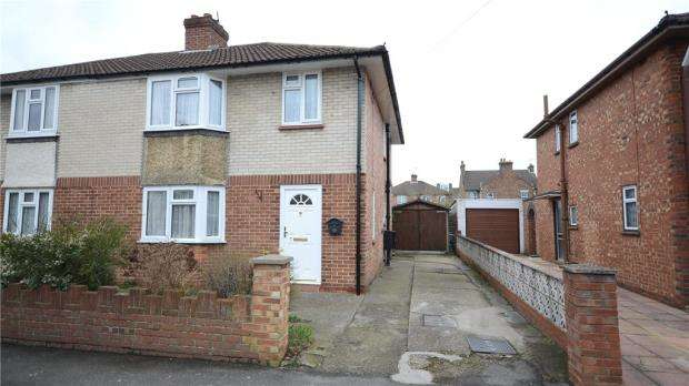 3 Bedrooms Semi Detached House for sale in Institute Road, Aldershot, Hampshire