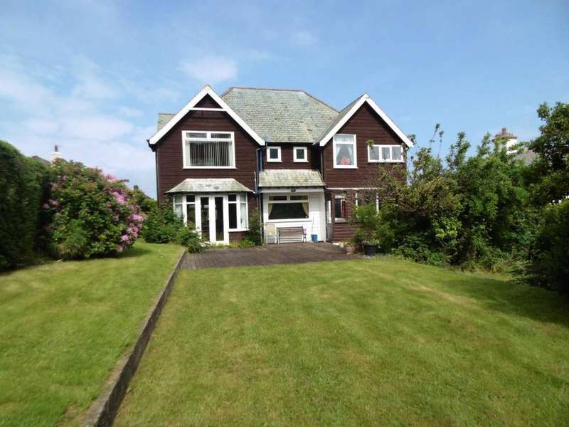 5 Bedrooms Detached House for sale in Treforris Road, Dwygyfylchi, LL34 6RH
