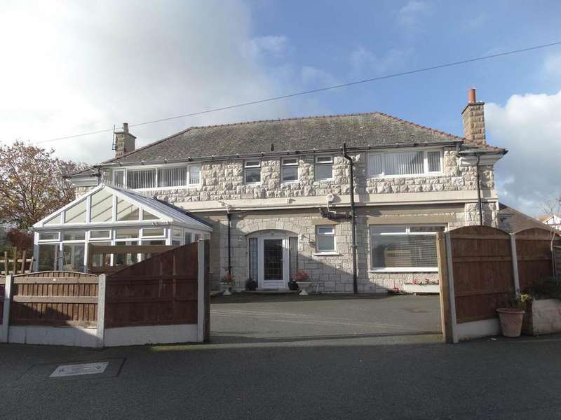 3 Bedrooms Detached House for sale in 39 Marine Drive, Rhos on Sea, LL28 4HS