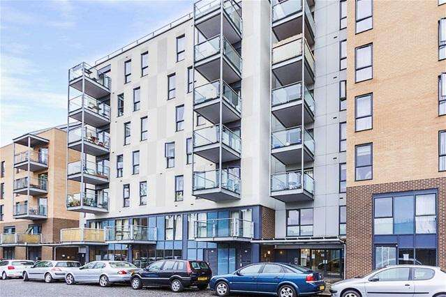 2 Bedrooms Flat for sale in St Lukes Square, 31 Shirley Street, Canning Town