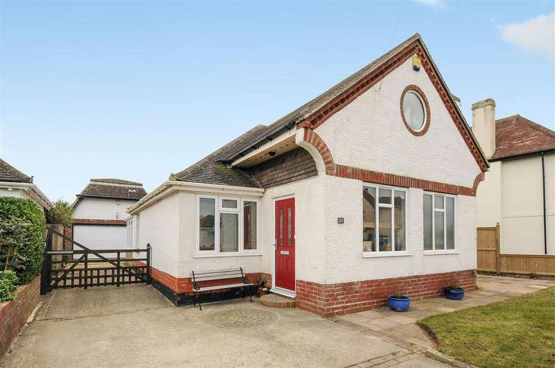 4 Bedrooms Detached House for sale in First Avenue, Felpham
