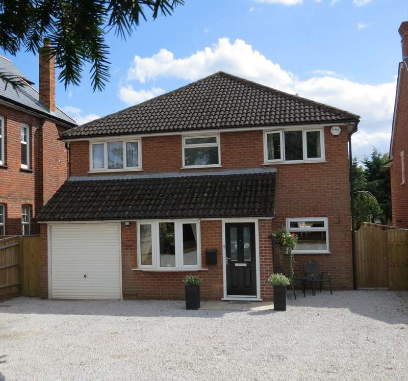 4 Bedrooms Detached House for sale in Little Marlow Road