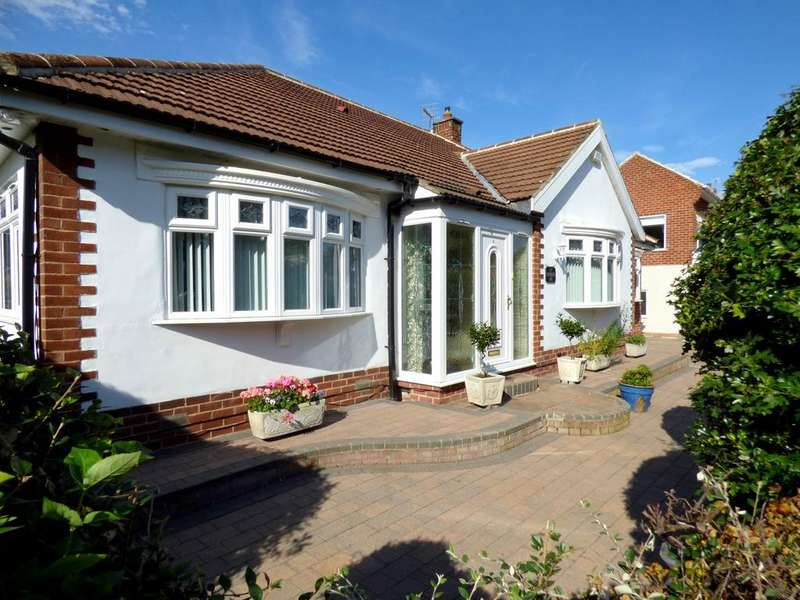 3 Bedrooms Detached Bungalow for sale in Hartburn Avenue, Stockton-On-Tees, TS18