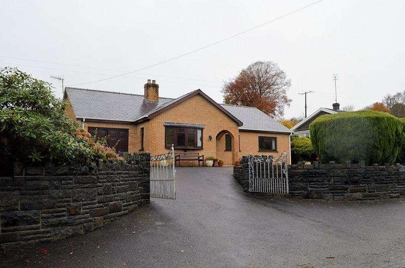 3 Bedrooms Land Commercial for sale in Hafod y Bryn , Llwynygroes, Tregaron, Ceredigion. SY25 6QB