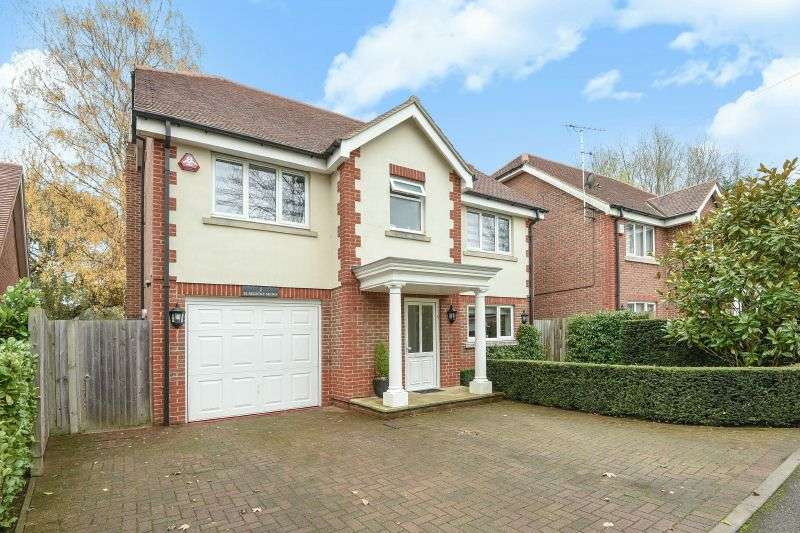 4 Bedrooms Detached House for sale in Elmsdene Mews, Northwood