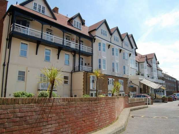 1 Bedroom Flat for sale in St Mildreds Court, Beach Road, Westgate-on-Sea, Kent