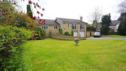 5 Bedrooms Detached House for sale in Western Way, Darras Hall, Ponteland, Northumberland, NE20